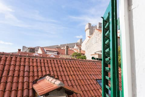 Inside the City Walls Rooftops Apartment