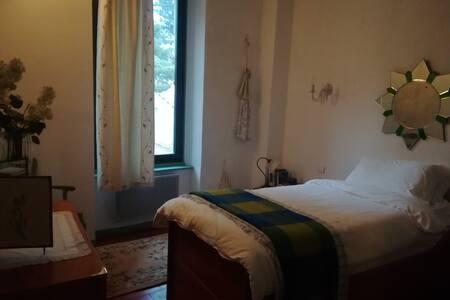Single Room in Unique Cosy Vigneron & Breakfast