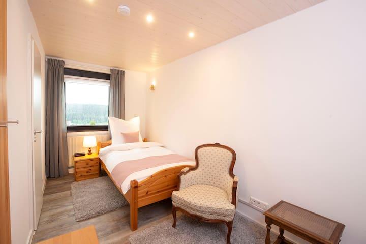 Kailash Guesthouse | Einzelzimmer | Bad im Zimmer