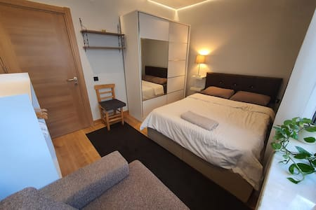 Double Room - Great Condition, Clean, Central