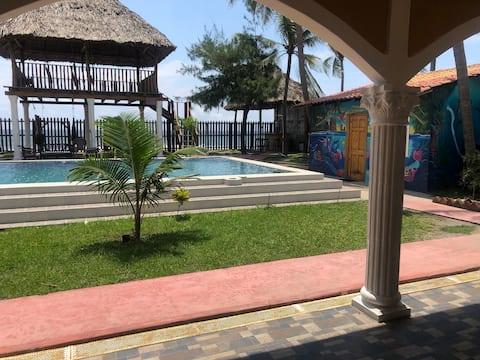 Casa de playa privada. (15 Min from Airport)
