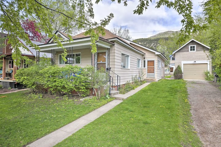 Glenwood Springs Home w/ Mtn Views - Walk Downtown