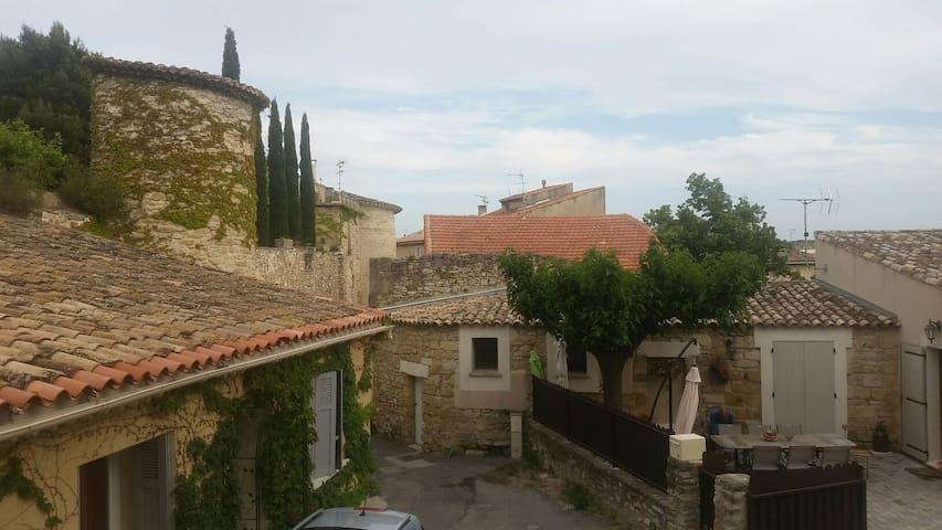 T3 rdc, calme centre village lançon - Lançon-Provence - Lakás
