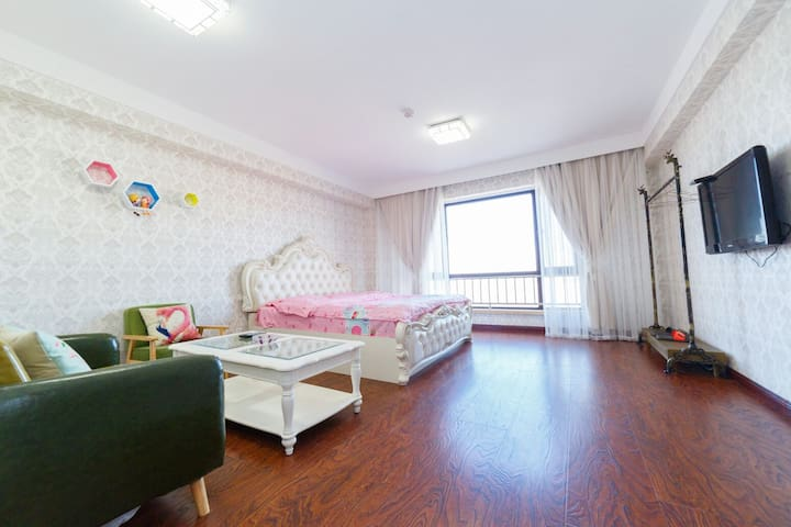 鞍山考拉精品日租公寓 豪华蜜月景观大床房