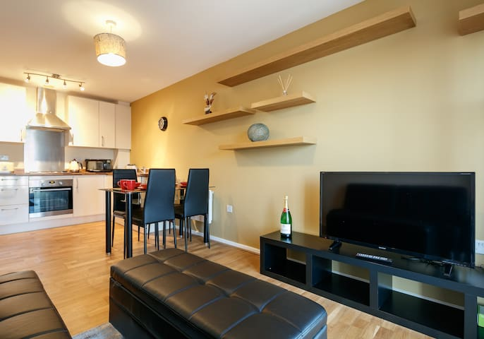 ★ MODERN & COMFY flat | Free PARKING | IDEAL STAY