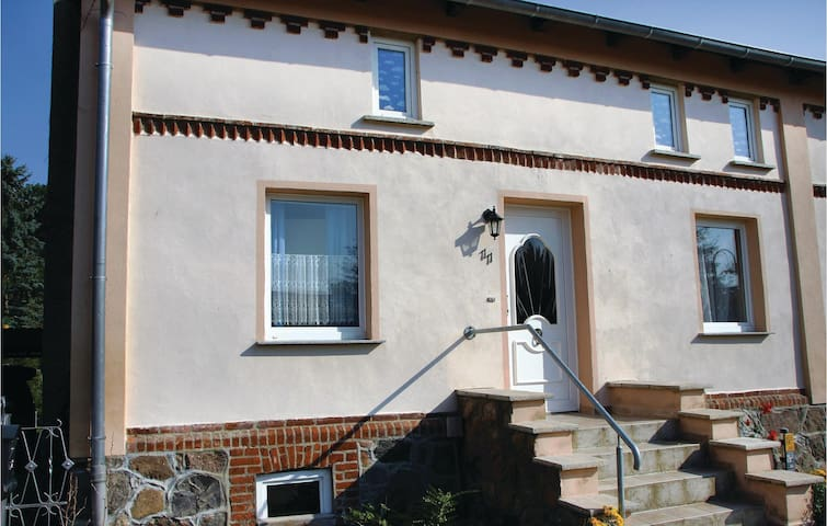Semi-Detached with 4 bedrooms on 120 m² in Göhren-Lebbin OT U.