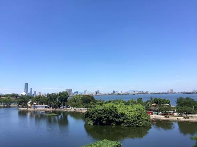 Luxury Apartment, 2 BRs, View Ho Tay Lake - Hanoi - Apartemen