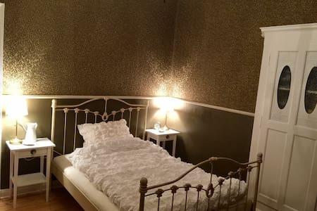 Gästezimmer in historischer Villa - Löhne