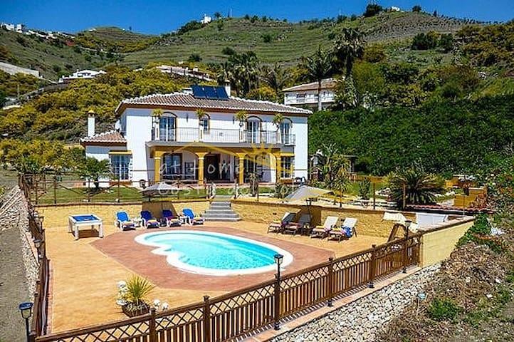 Villa Agueda At Home