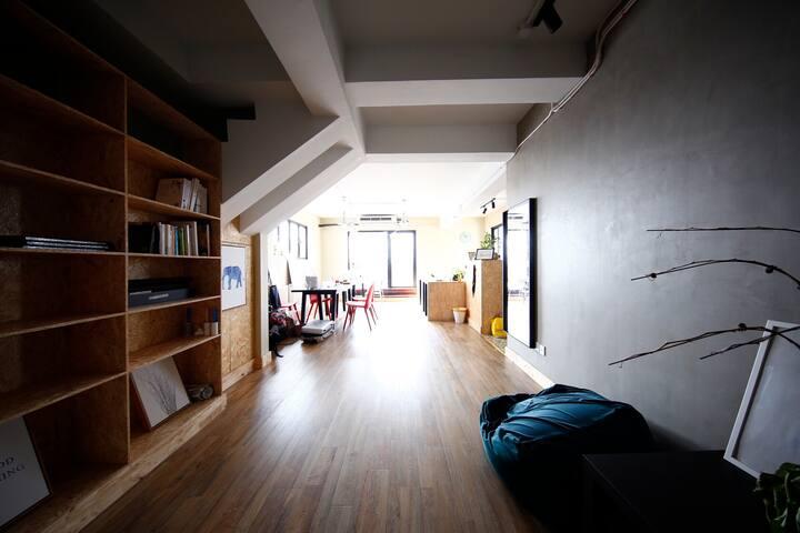 Ma Chérie  外滩、复星艺术中心边复式公寓 80平超大露台 性价比极高床位出租  可咨询