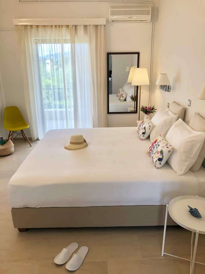 Nikoleta's Superior 1-bedroom Apartment 4