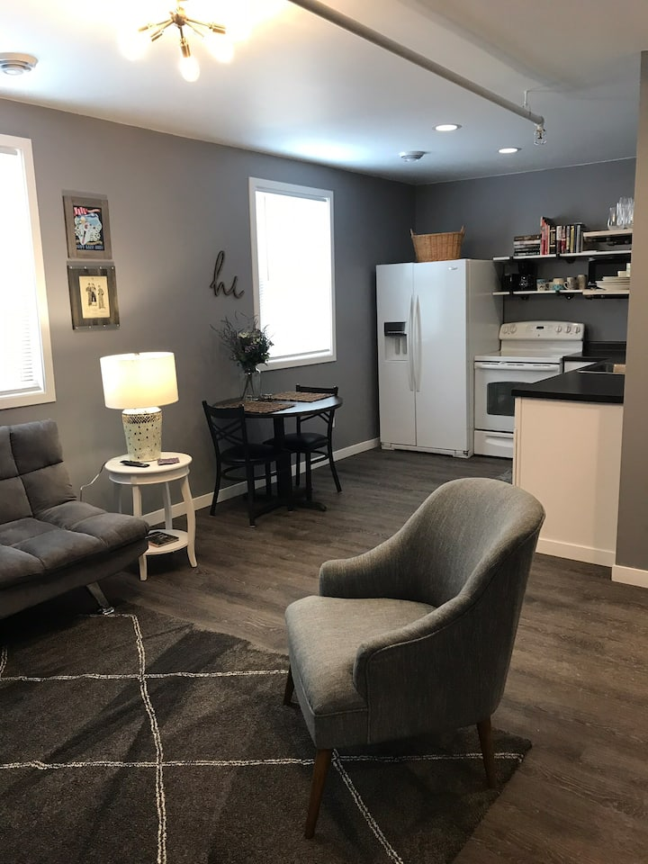CUTE CLEAN & PRIVATE right in the heart of UPTOWN