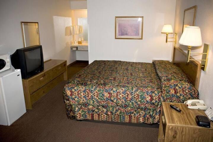 Adorable Double Bed Non Smoking At Hurricane