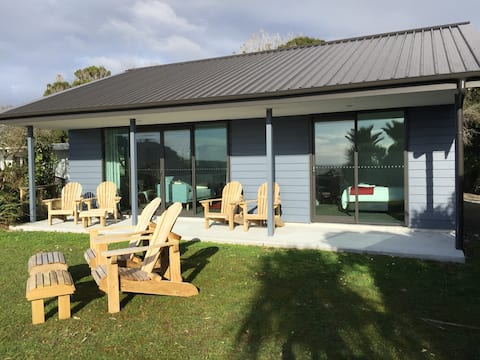 Seaside Cottage, Paparoa Park Motel