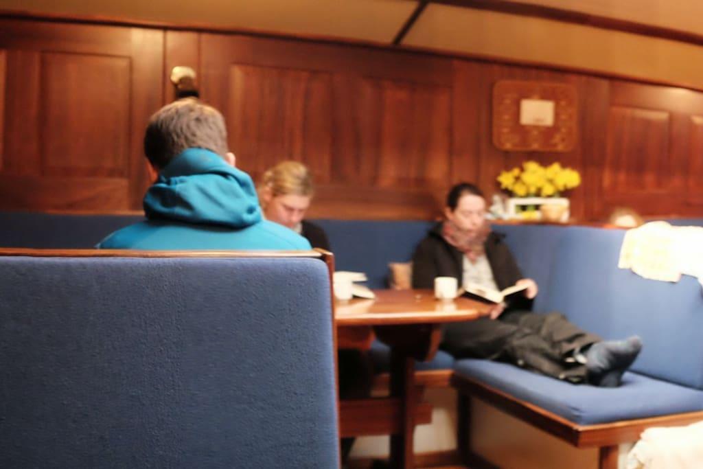 18 goedkope slaapplekken in hartje rotterdam boten te for Goedkope kamers rotterdam