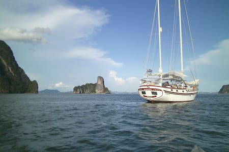 Private cabins aboard a Vagabond 47 - Langkawi