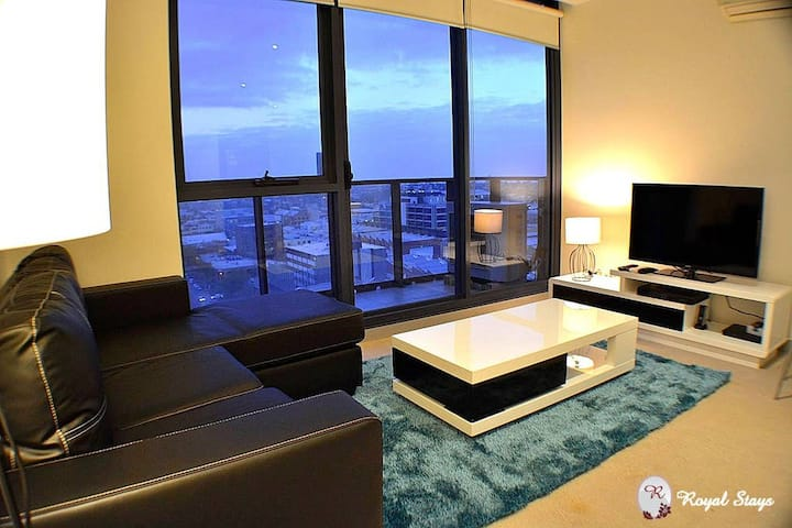 Royal Stays|Full Kitchen|Washer & Dryer|WiFi & More