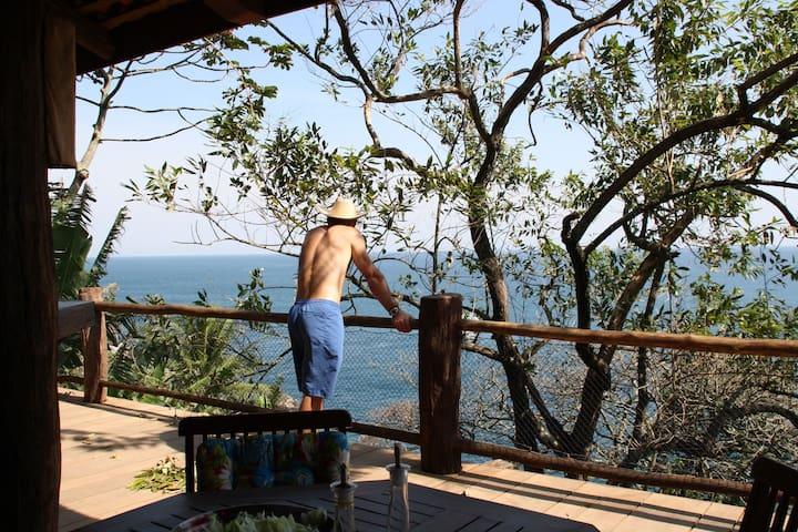 Unique Villa with private access to the sea