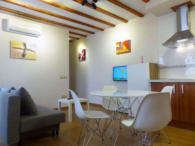 Apartamento B con Parking, Wifi, Nuevo - Toledo - Apartment