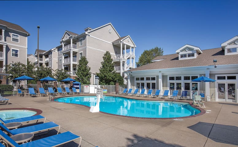 NASHVILLE RESORT ★ 1.2 Miles to Grand Ole Opry 1BR