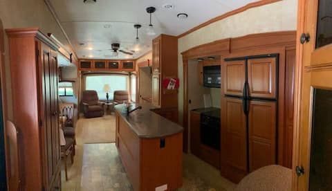 Spacious modern waterfront rv
