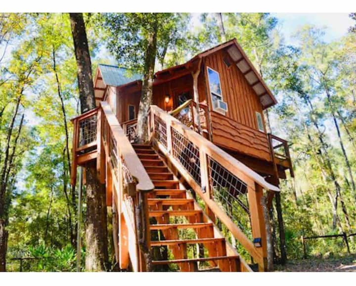 Treehouse + Cabin Retreat