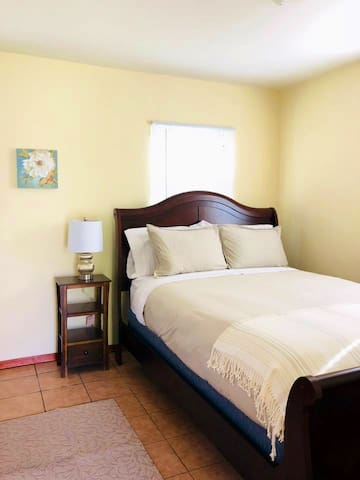 Cozy Guesthouse near Culver City & LAX!