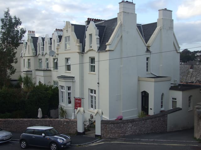 The Hillcroft Boutique B and B - Torquay - Bed & Breakfast