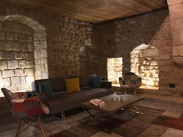 La Grotte - Tyre