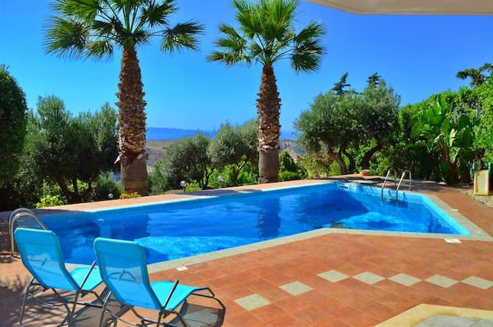 Cretan Paradise Villa - Private Pool