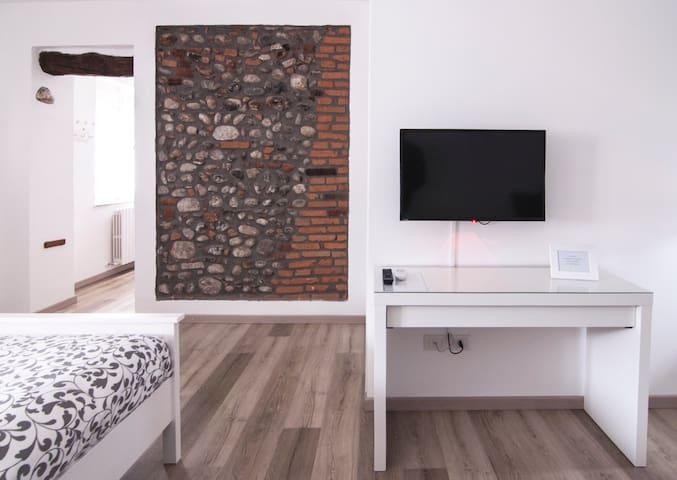 Il Giuelìn Malpensa - Charming B&B, shuttle h24 - Somma lombardo - Apartment