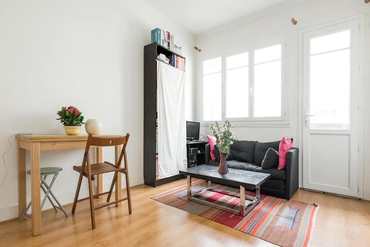 Large room near Gare de Lyon