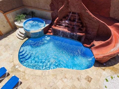 Heated Jacuzzi, Rooftop Mountain/Ocean View Villa3