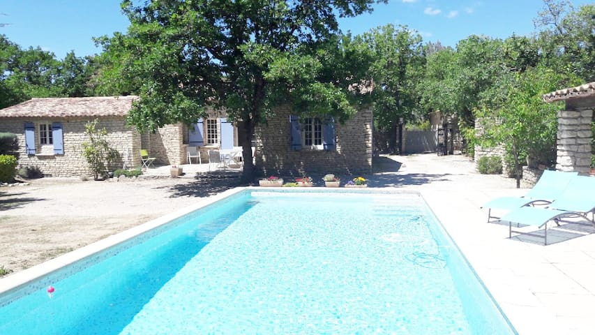 "Maison provençale ""benastra""+ piscine, GORDES."
