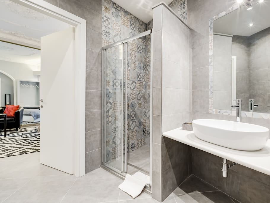 Bluesman suite with jacuzzi boutique hotel in affitto for Boutique hotel 4 stelle roma