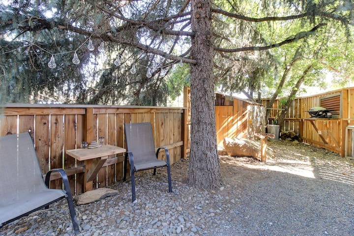 Outdoor sitting area and bbq station to use after a hard day on the trails or at the lakes