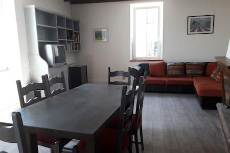 Bourdeaux :  La Maison de Léopold