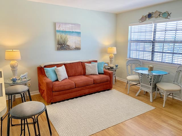 WOW! Special Spring Rates! Sandy Pointe Condo 205! Short Walk to the Beach!