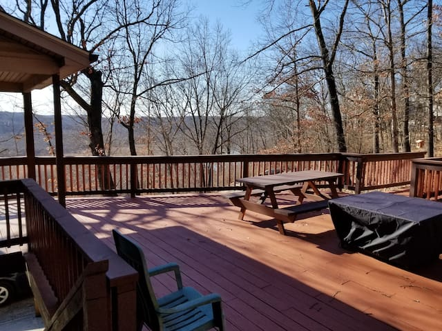 Peaceful retreat next to castlewood state park