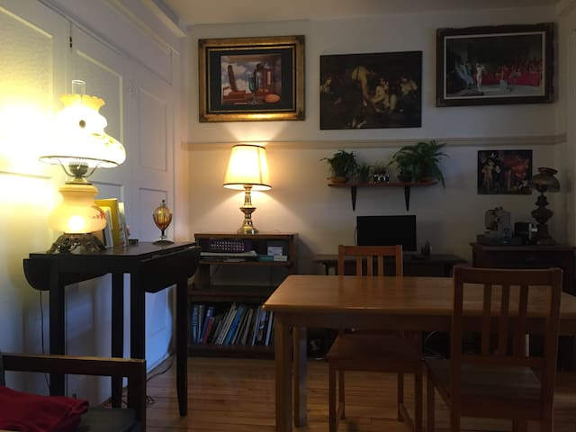 Spacious bright room with balcony  P.Lafontaine