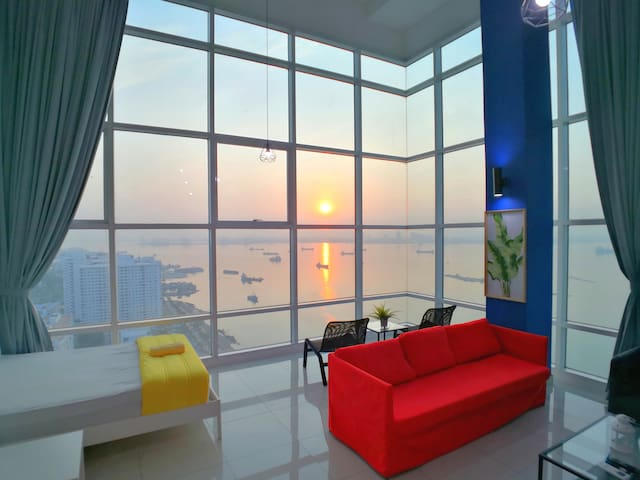The holiday at Penang is never complete with a sunrise view from our house! Book our house now to enjoy the seaview and sunrise view of Penang.