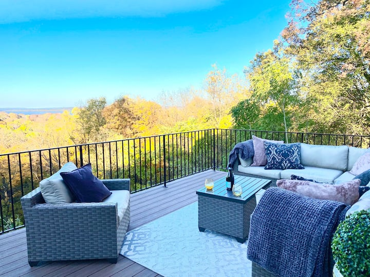 Cottage in the Heights- A Riverview Destination