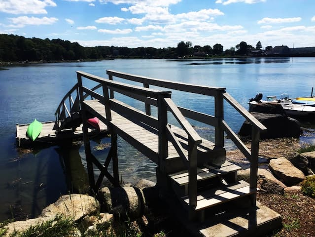 Waterfront Cottage in Annisquam Heights-Gloucester