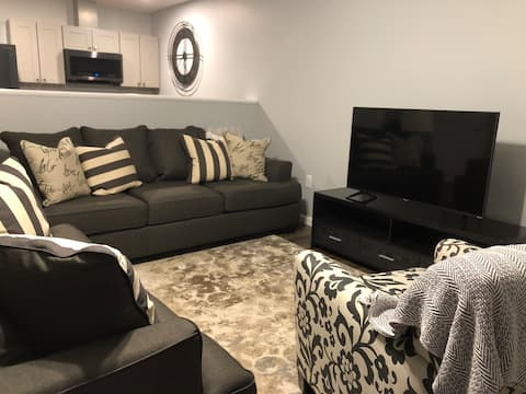 Cozy 1 Bedroom-All the comforts of home! Unit #5