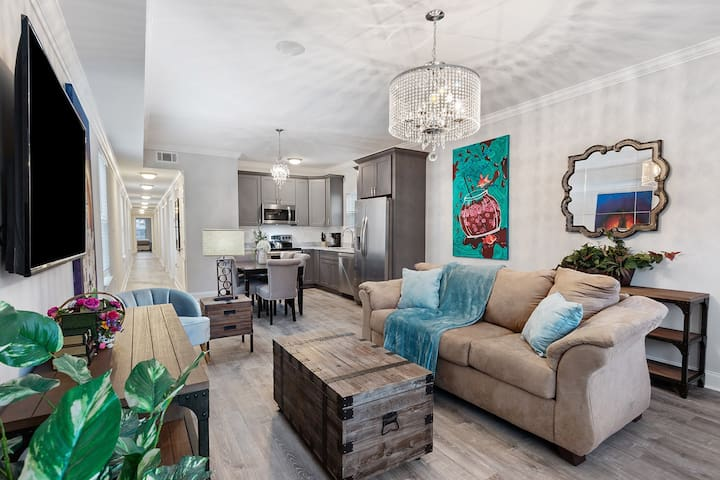 Gorgeous Living room creates a welcoming atmosphere for all guests!
