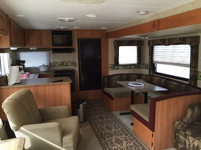 Stationary Camper rental Waco or Temple Texas - Eddy - Autocaravana