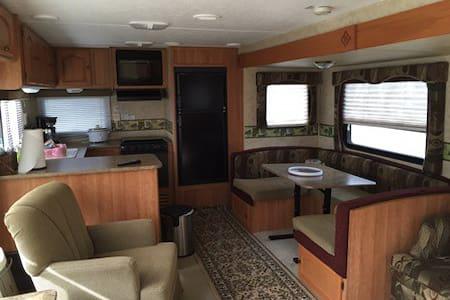 Stationary Camper Rental near Waco or Temple Texas - Eddy