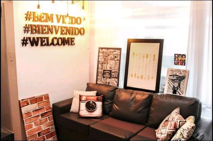 Quarto-3,  pequeno com TV prox Av Paulista e metrô