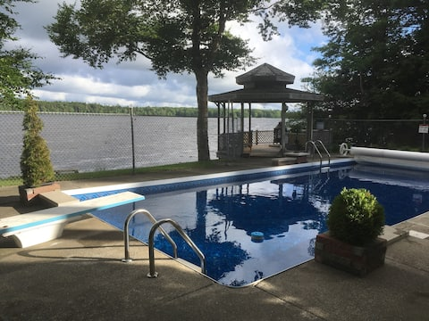 Hidden Gem Retreat on Victor Lake - Adults Only