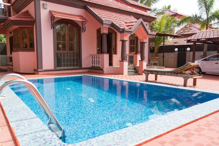3BHK LUXURIOUS SWIMMING POOL VILLA - Guirim - Huis